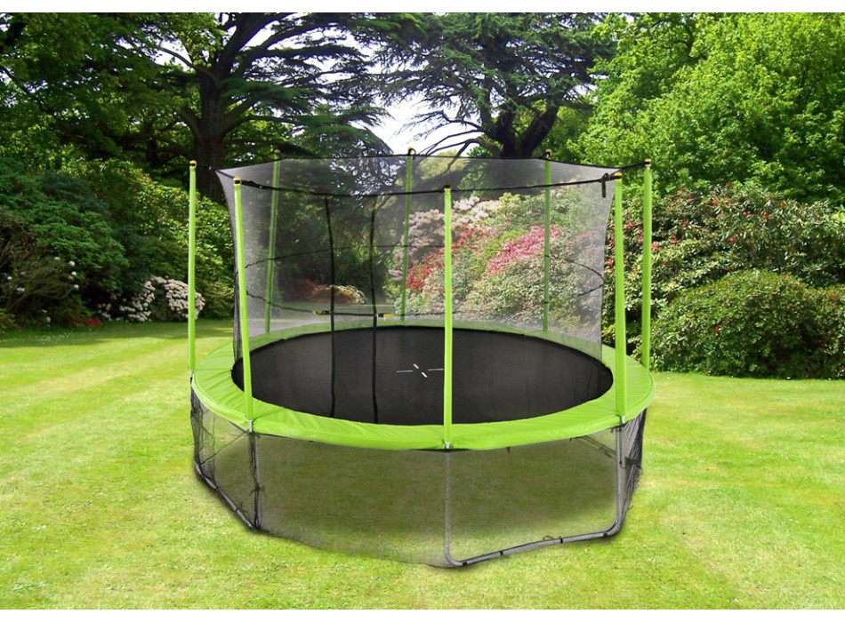 un trampoline dans votre jardin pourquoi pas le blog de vente. Black Bedroom Furniture Sets. Home Design Ideas