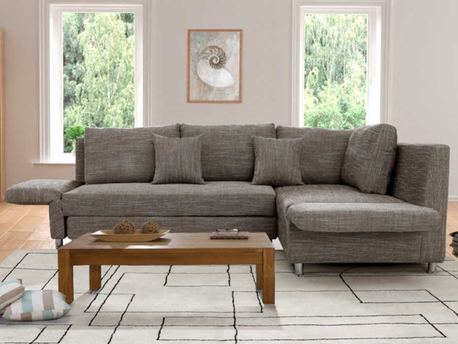 Canapé d'angle et tapis graphique